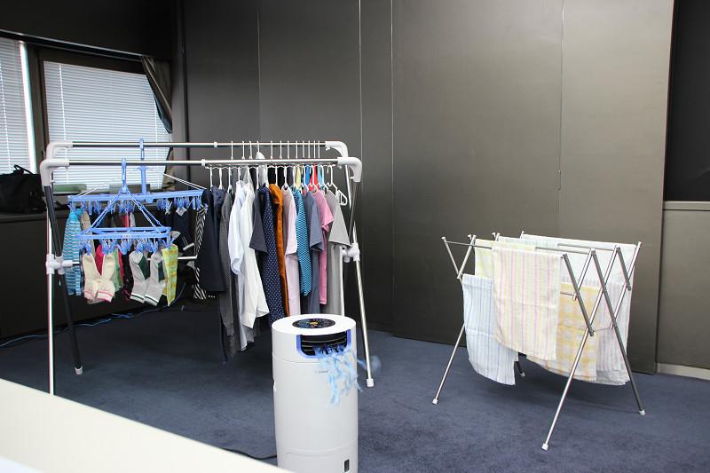 衣類を効率的に乾燥させるための除湿機能を、搭載したモデルが増えている