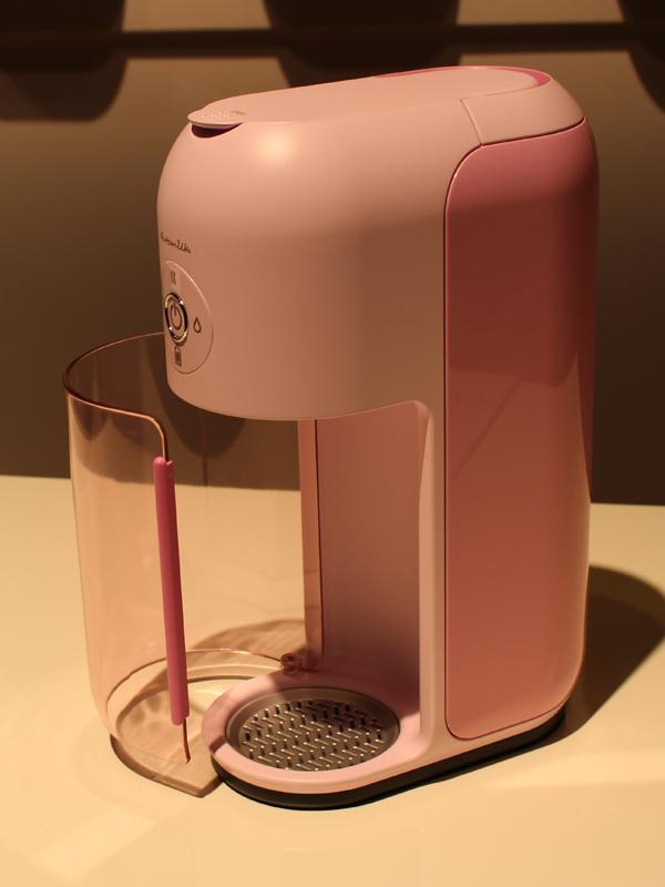 ミルク自動調合機「Auto milk」。2016年に発売予定