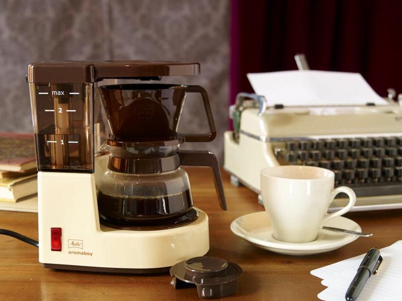 1979年に発売されたパーソナルコーヒーメーカー「Aromaboy(アロマボーイ)」の復刻版「MKM-251/C」