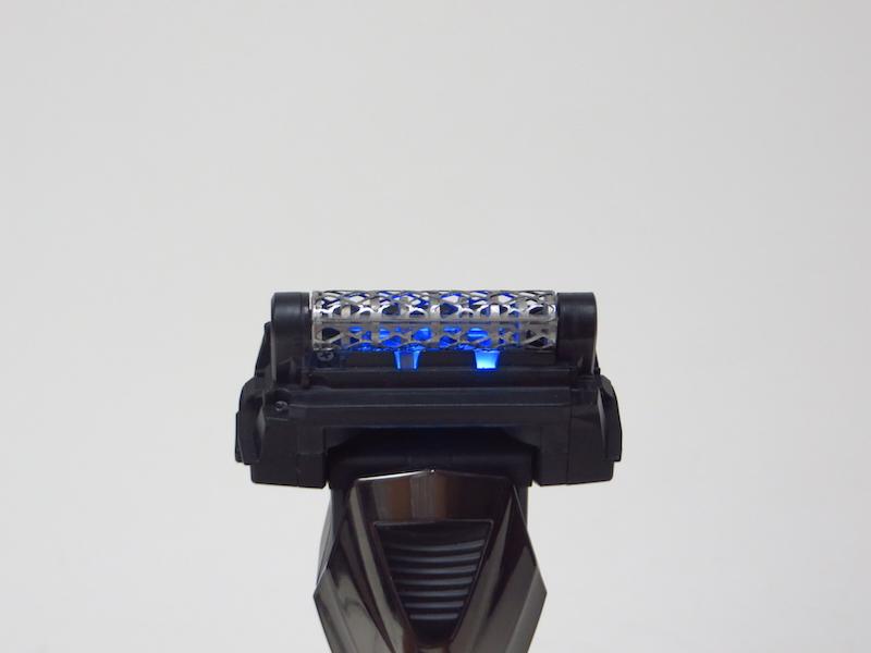 内刃は回転するだけでなく、左右方向に毎分約18,000回、微振動する。これにより滑らかでスピーディーにヒゲを剃れる