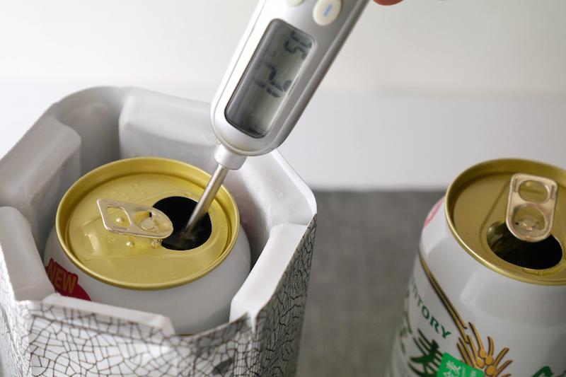 「ラピッドアイス」を巻いた缶は中心部付近が約12℃まで下がっていた
