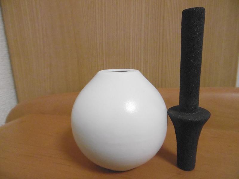 どちらも伝統的な陶磁器で作られている
