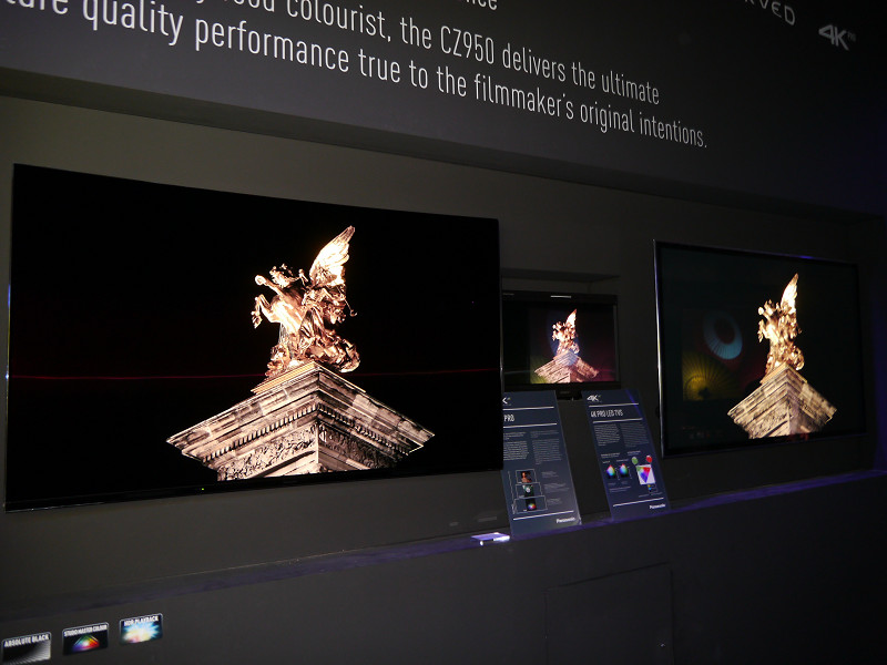 有機ELテレビの新製品と、プラズマテレビの比較を行ない、ブラズマテレビを超える画質を実現したことを訴求