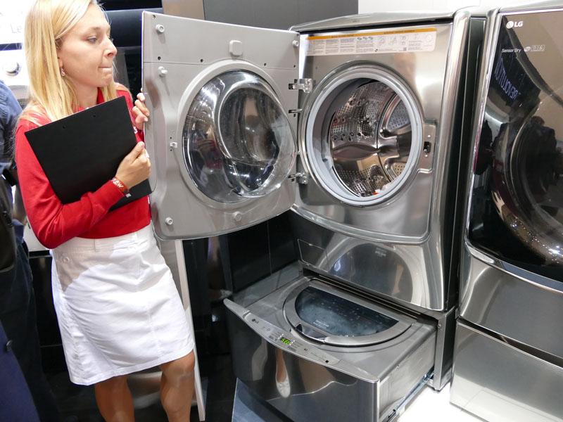 上下に2つのドラムを備えた「Twin Wash」。それぞれの容量は上が容量21kg、下は3.9kg
