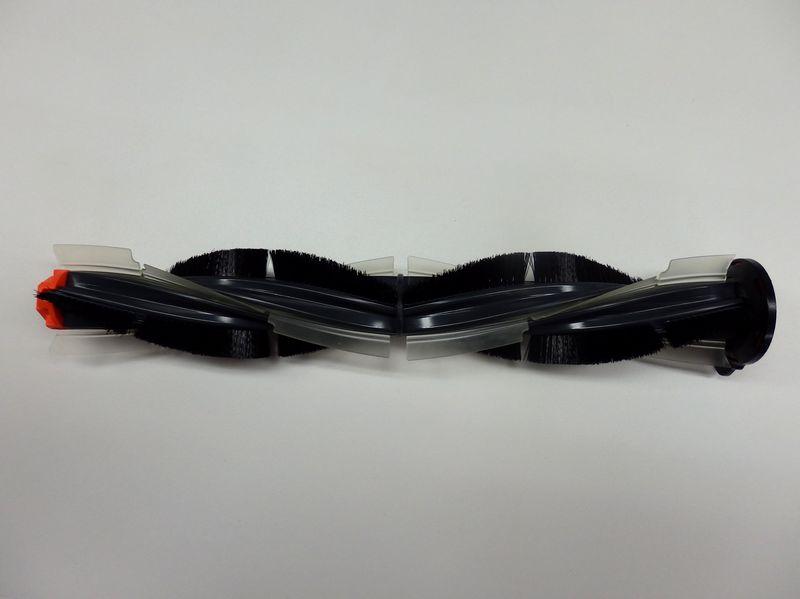 フローリング、畳およびペットの毛が多いところの掃除に適した新型の2重らせんコンボブラシ。4つの羽根がついており、メインのブラシとなる