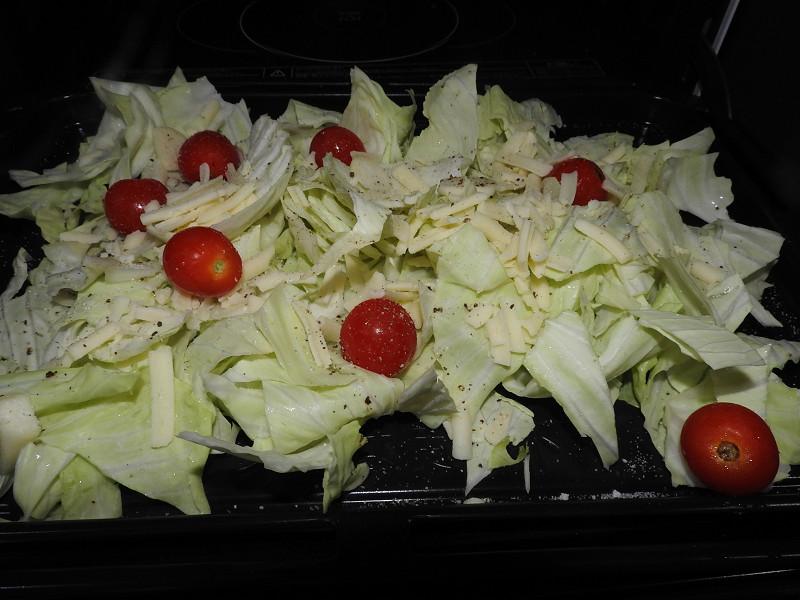 下段では副菜を作る