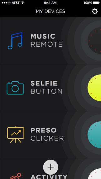 スマートフォンの操作を可能にするアプリ「MISFIT LINK」。音楽再生や自撮り、プレゼン時に使える
