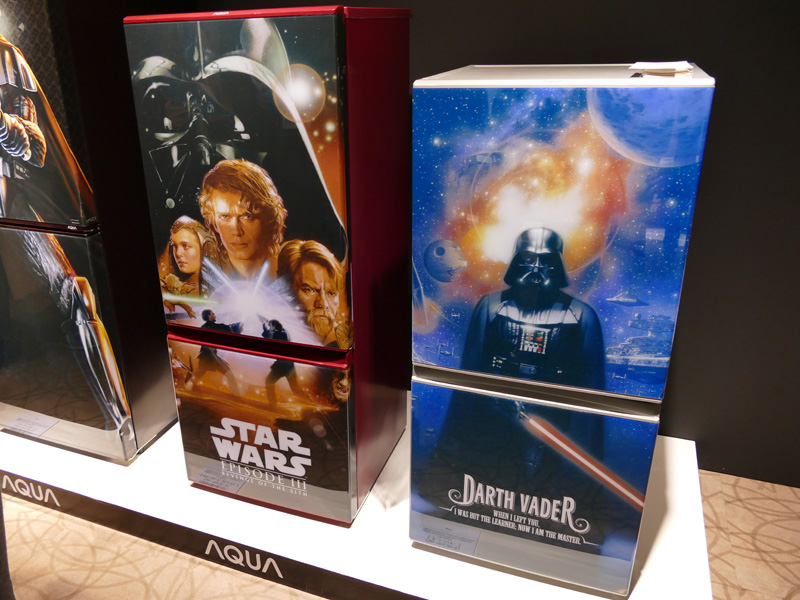 冷蔵庫用の着せ替えパネル「Colo-mo(コローモ)」でも、「STAR WARS」デザインを展開する