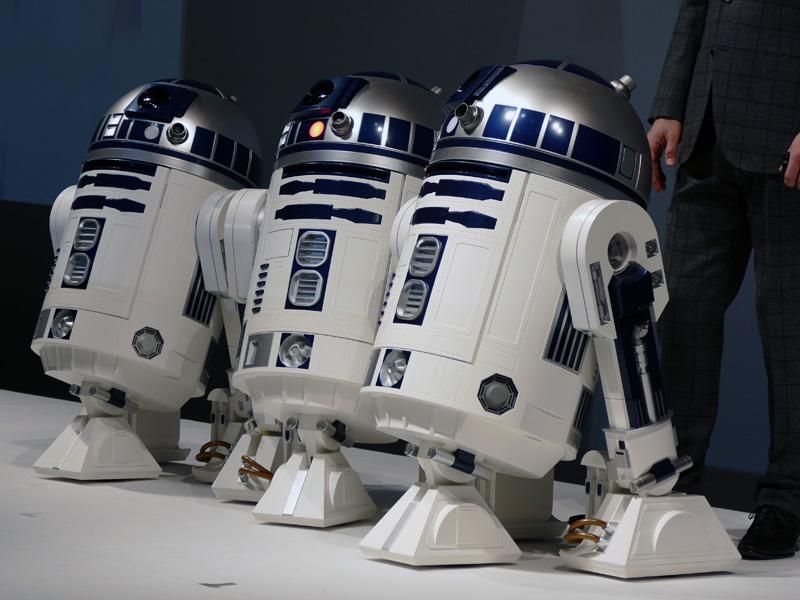 スター・ウォーズに登場するR2-D2と等身大の外観を採用