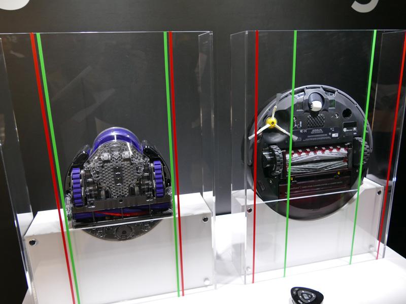 一般的なロボット掃除機と比べたところ。直径は小さいが、高さがある
