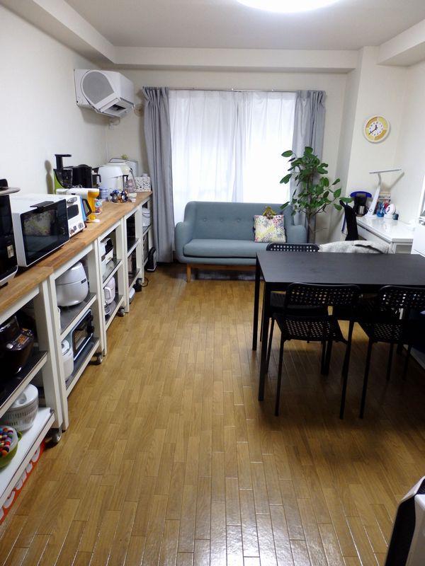 事務所兼用の家電アトリエ。キッチンスペースも入れると26㎡程度の細長いスペース