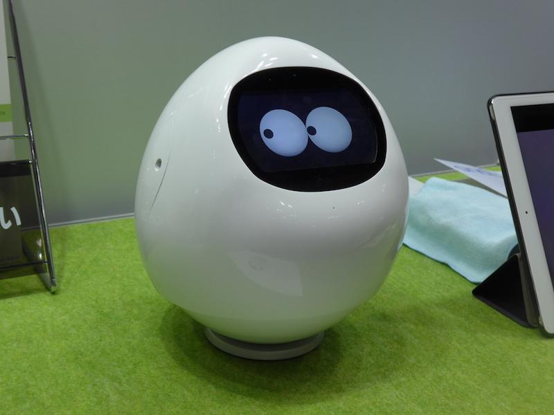 Mjiの「MJI ロボット」は、会話と生活サポート、見守り機能を搭載する