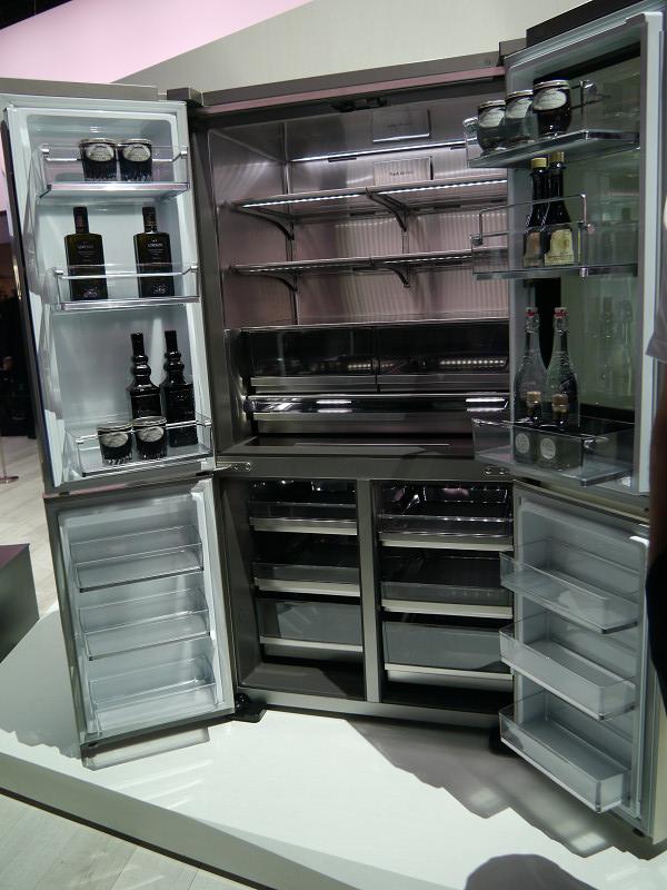 LG SIGNATUREのひとつとして発表された冷蔵庫