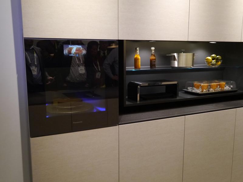 IFAでも展示したフリーゾーンIHや、コードレス調理家電を北米で初公開