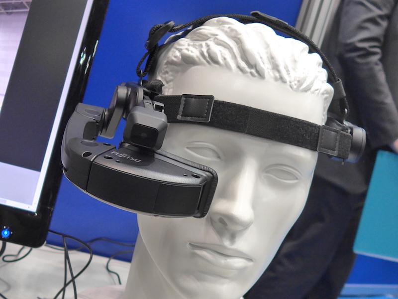 多くのメーカーがヘッドマウントディスプレイを出品
