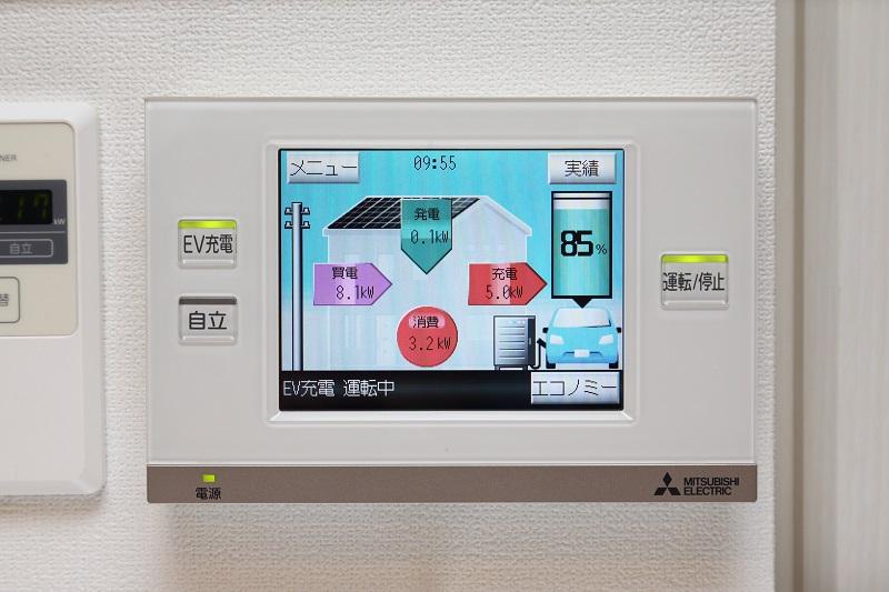 タッチパネル方式になっているコントローラー部。家庭内の電力需給を総合的にコントロールできる