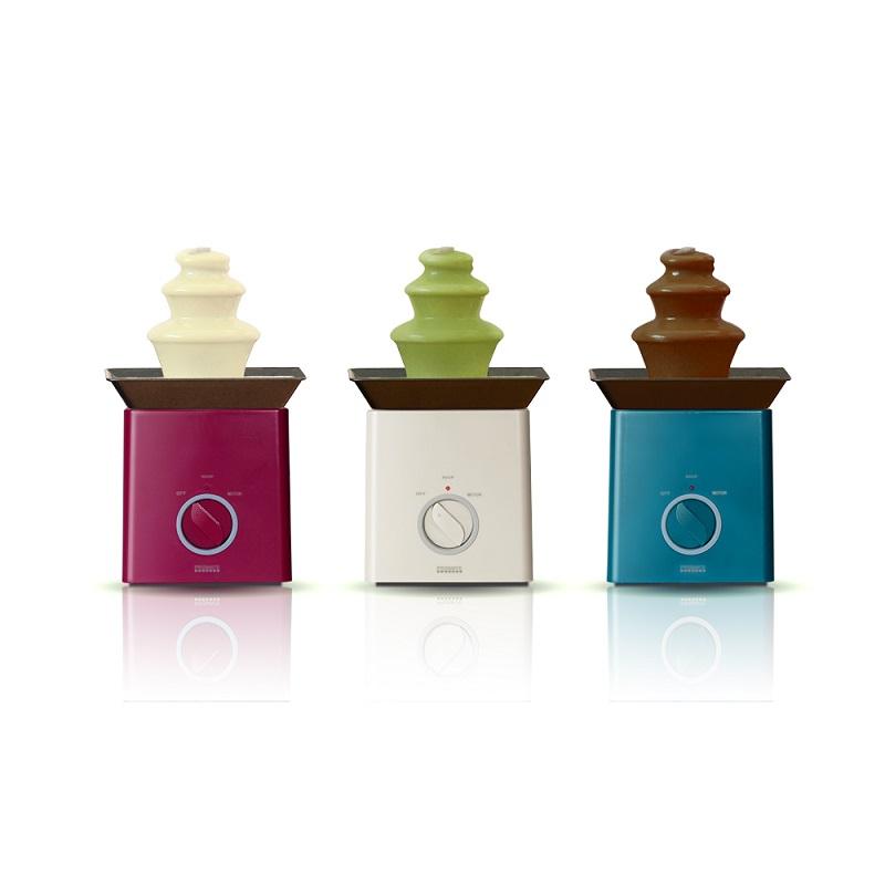 アイボリー、ワインレッド、マリンブルーの3色を用意