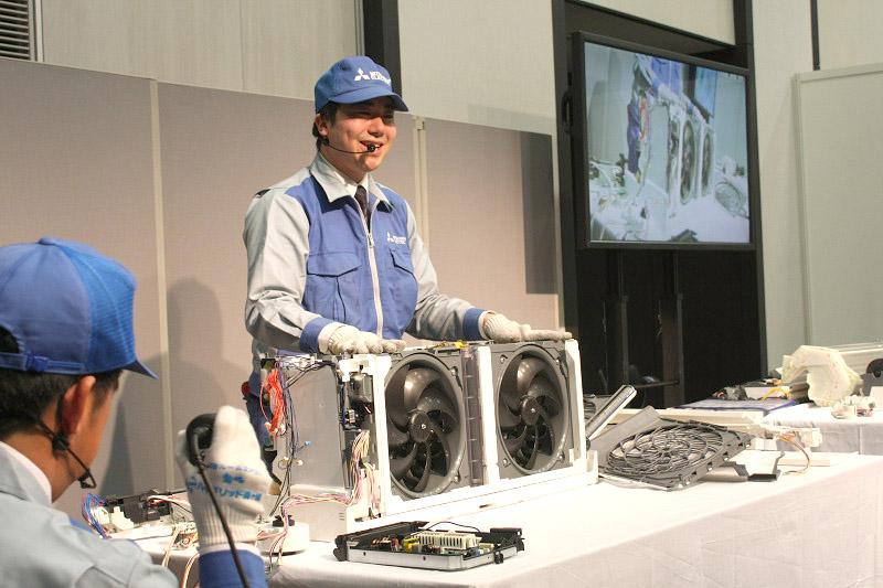 エンジニアの加藤さんも、ドヤッ! のパーソナルツインフロー。こんなエアコン見たことネェー!