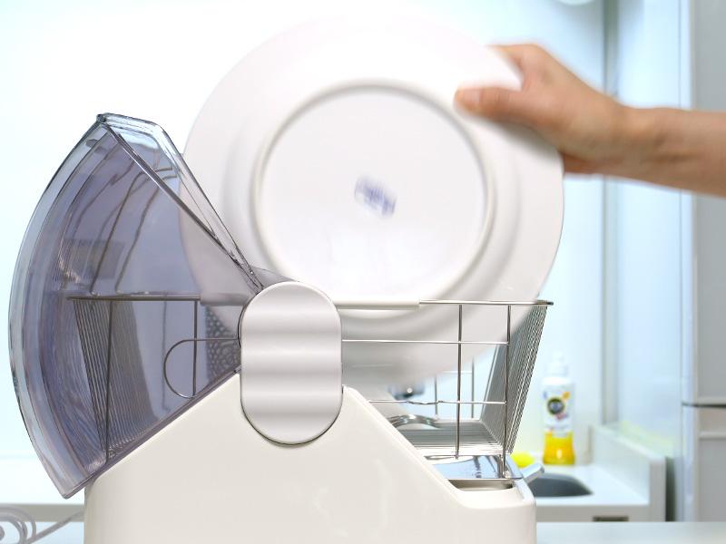 フタが大きく開くので、お大皿も簡単に入れられる