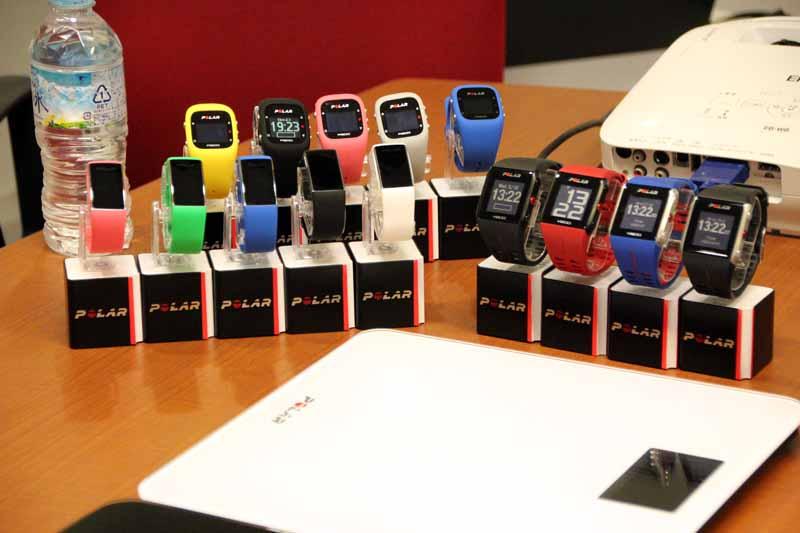 同社の腕時計型の活動量計「A360」などに対応する