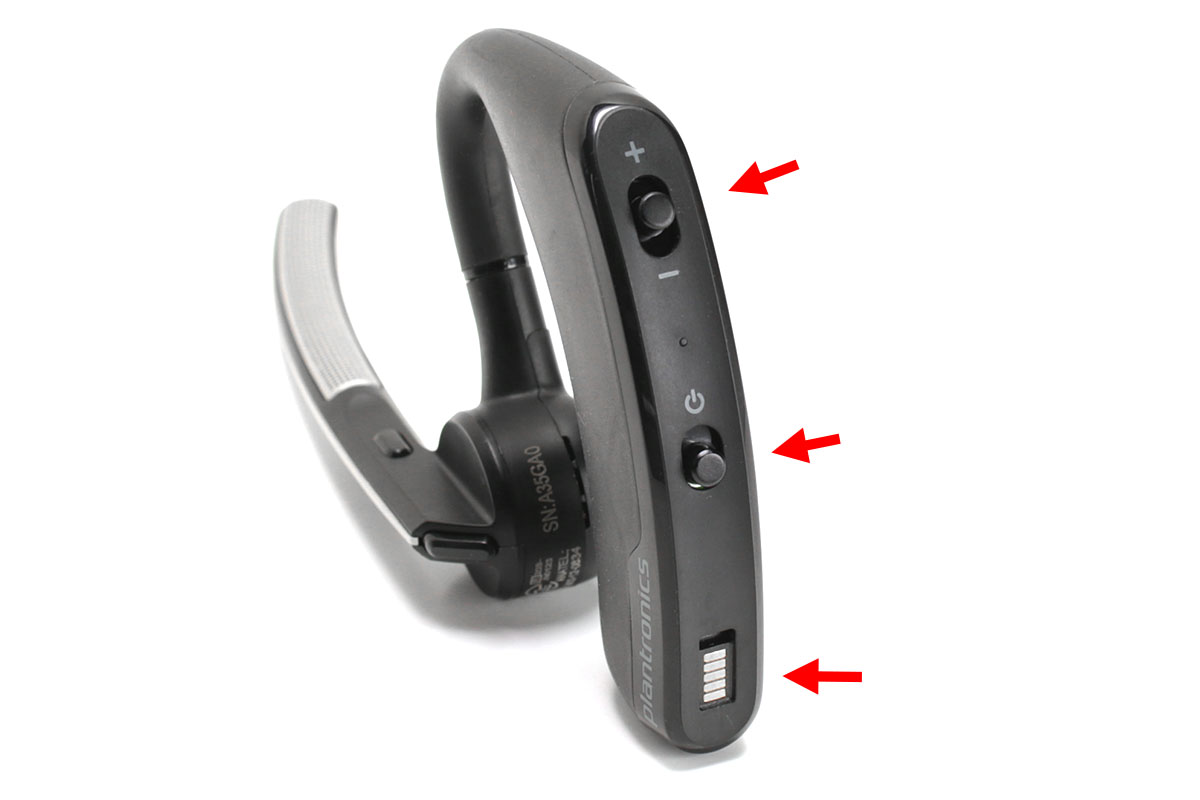 耳の後ろ側に回る部分に、電源ボタンやボリューム調節ボタン、充電用接点があります。マイクの後方端に受話/終話ボタンが、マイクの胴の部分にミュートボタンがあります。