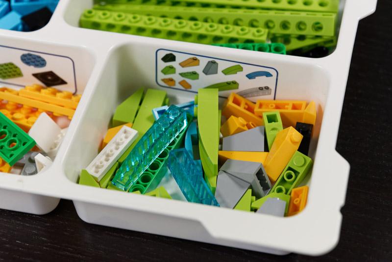 単純なブロックから使いどころを想像しにくいブロックまで、大量にある