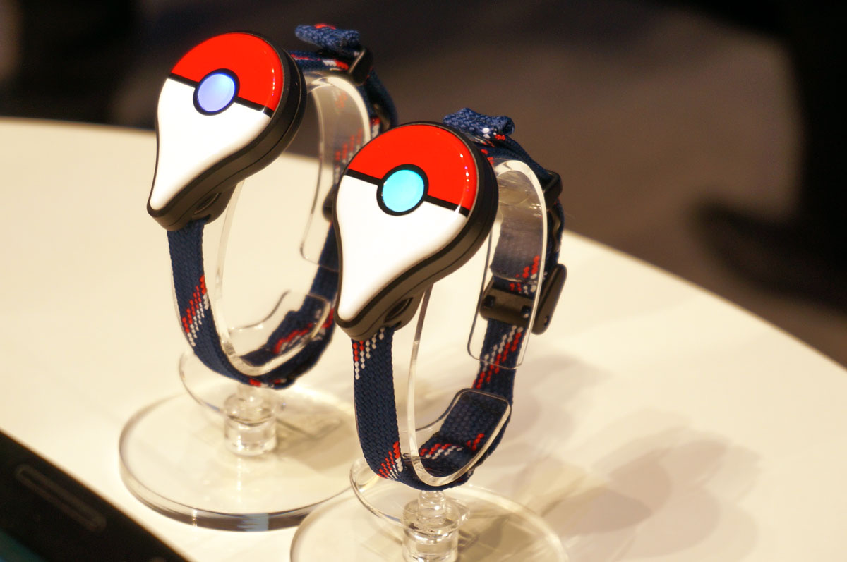 「Pokémon GO Plus」(2015年9月発表時の写真)