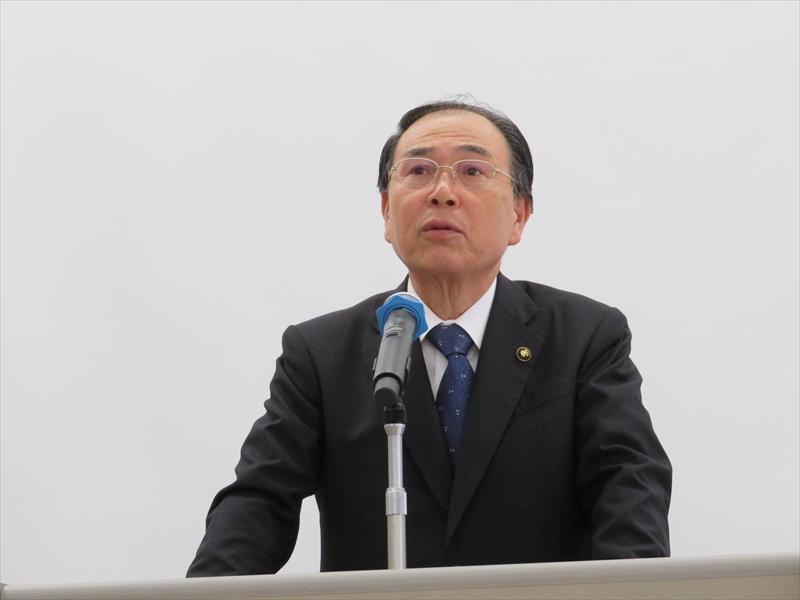 飯塚市長の齊藤守史氏