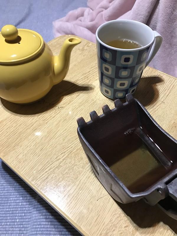 紅茶を入れてみました。雨水の風情です
