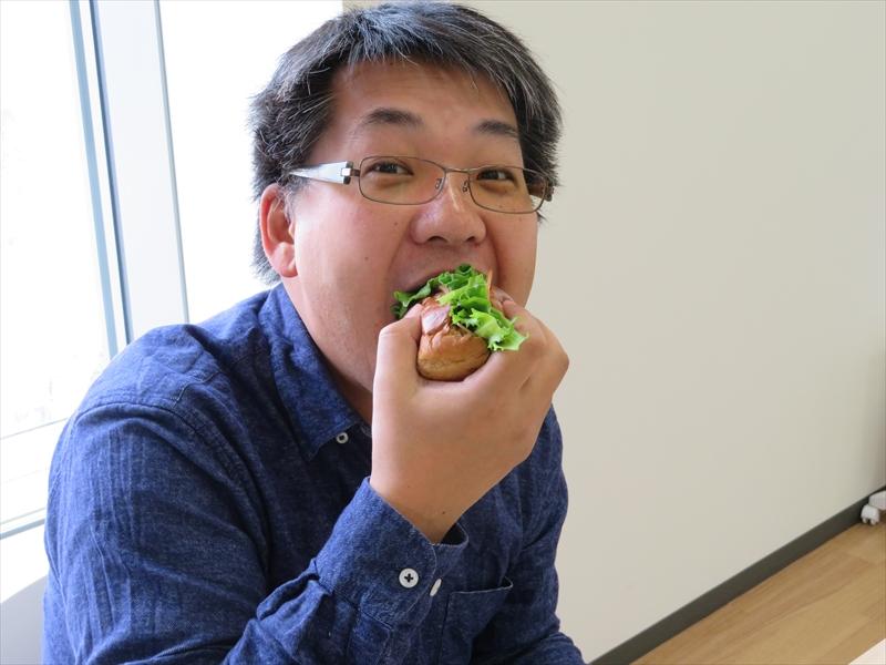 (4)食う!