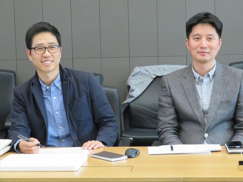 グローバル商品企画グループ Senior Professionalのチェ・スンミン氏(左)、ヤン・ヒョンヨン氏(右)
