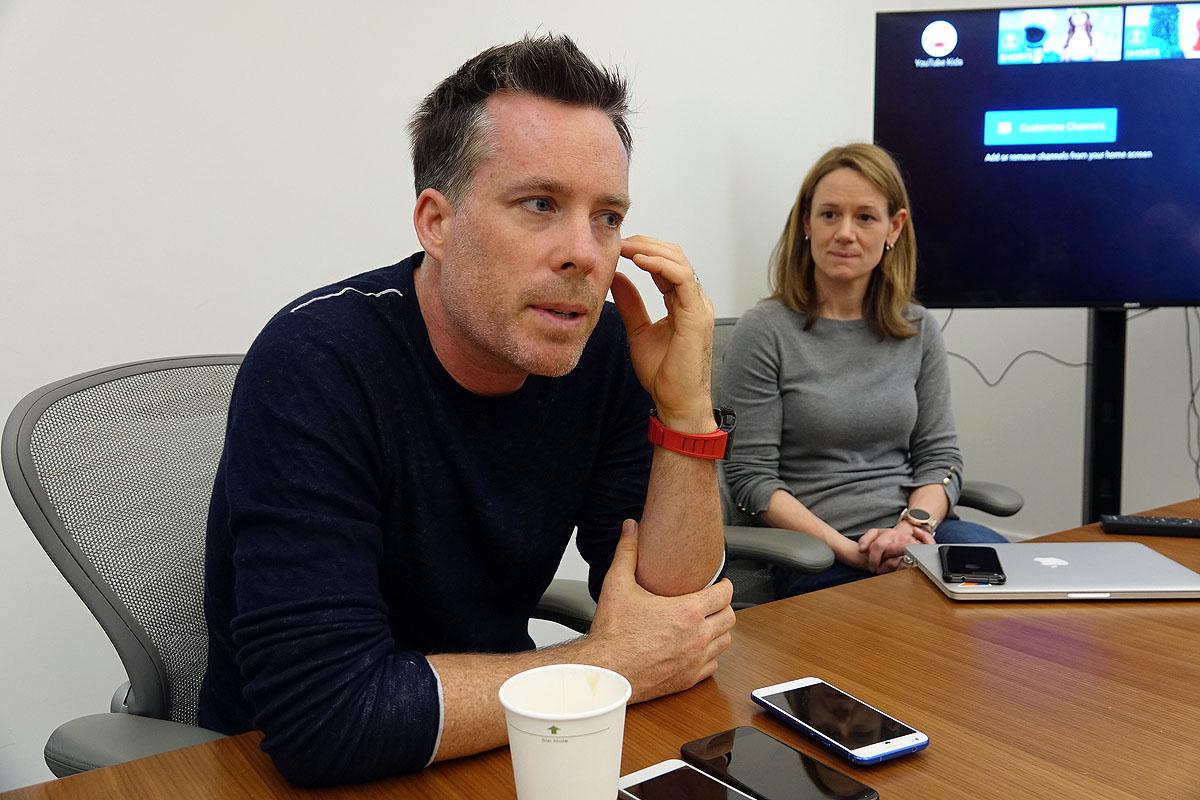 Android Oについて語るDave Bruke氏(写真左)と、Stephanie Saad Cuthbertson氏