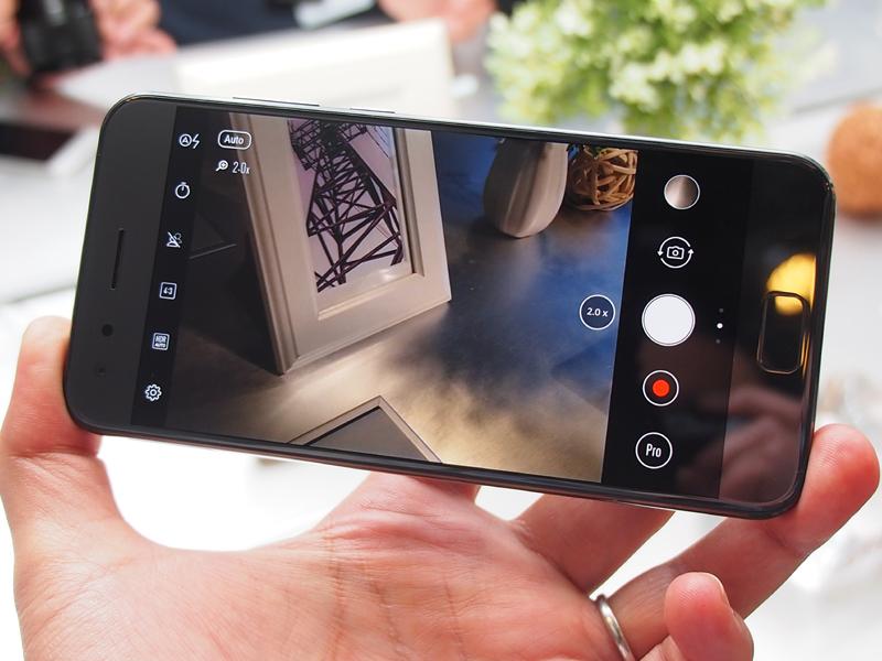 ZenFone 4 Proは、2倍のズームに対応する