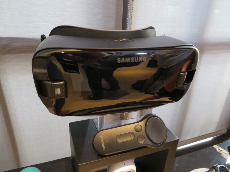 Gear VRは、サイズの問題から従来製品が利用できず、新製品が用意される