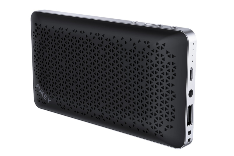 AUKEYのモバイルバッテリーとしても利用できるポータブルBluetoothスピーカー「SK-A2」