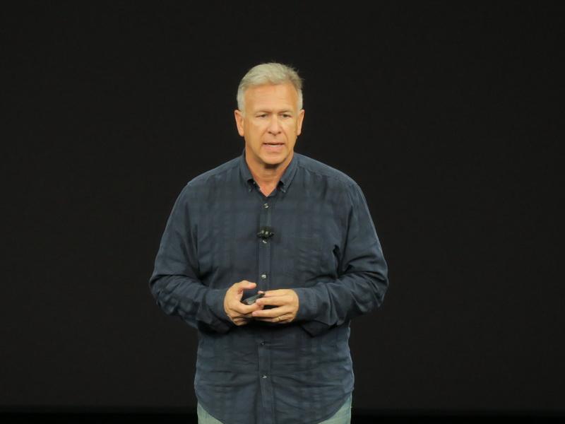 iPhoneのプレゼンテーションはSenior Vice Presidentのフィル・シラー氏が担当