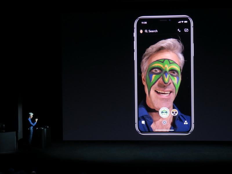 同じように、顔認識で自分の顔にテクスチャーを貼り付けることも可能