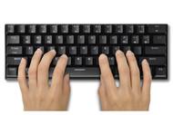 メカニカルキー搭載、モバイル対応のBluetoothキーボード発売