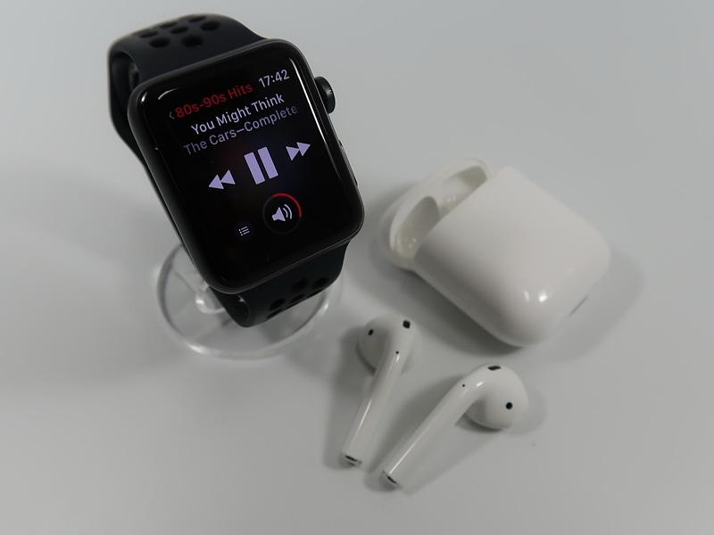 外出するときは、Apple WatchとAirPodsのみで、音楽を楽しめる