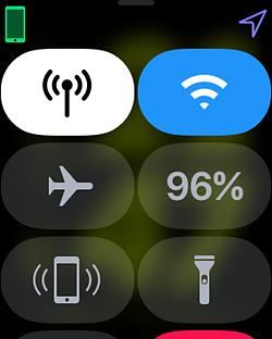 WatchOS 4.1ではコントロールセンターのデザインが少し変更された。新たに追加されたWi-Fiのアイコンが目を引く。あまり強くないWi-Fiに接続されたとき、強制的に切ることができる