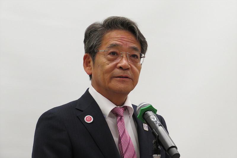 飯塚市長の片峯誠氏