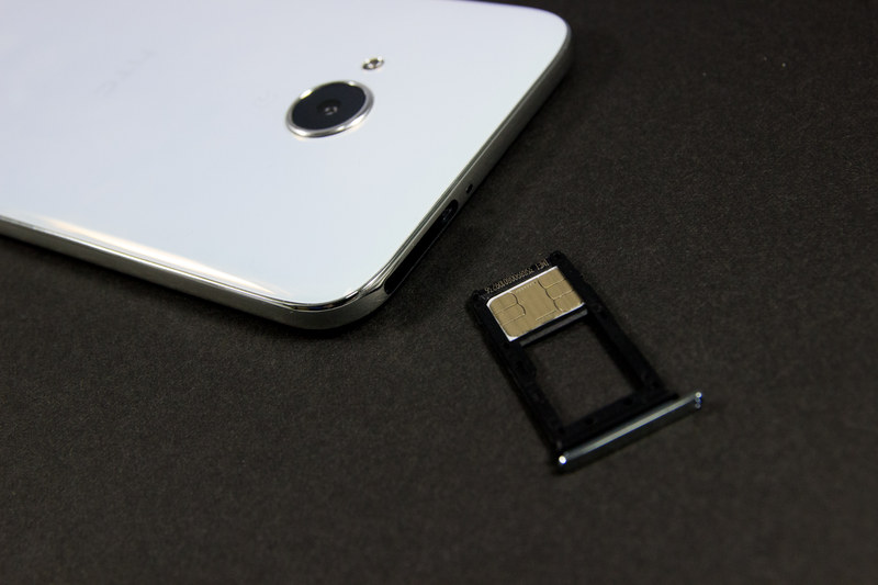 おサイフケータイ、SDカードに対応