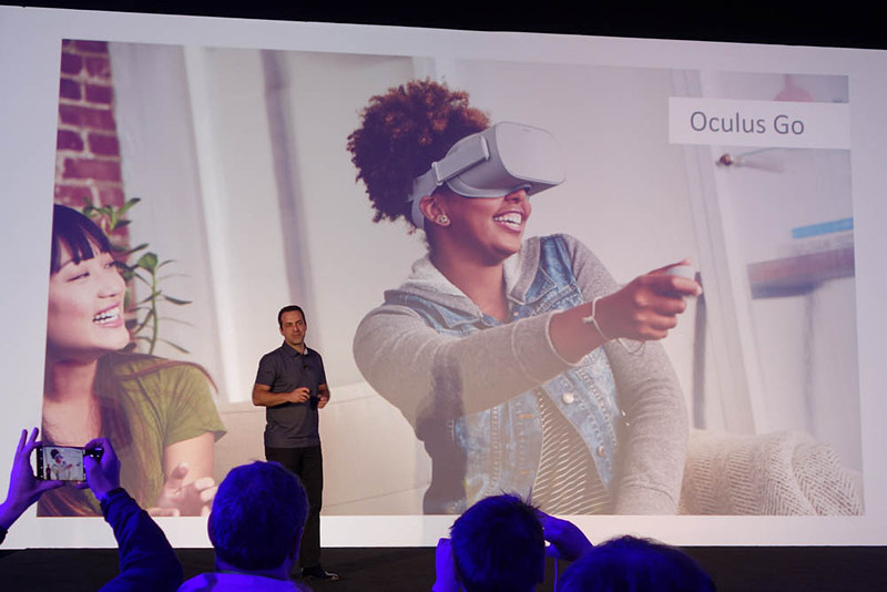 Oculus Goを紹介するバッラ氏
