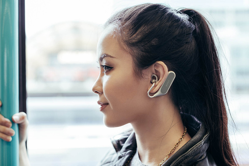 Xperia Ear Duoの装着イメージ
