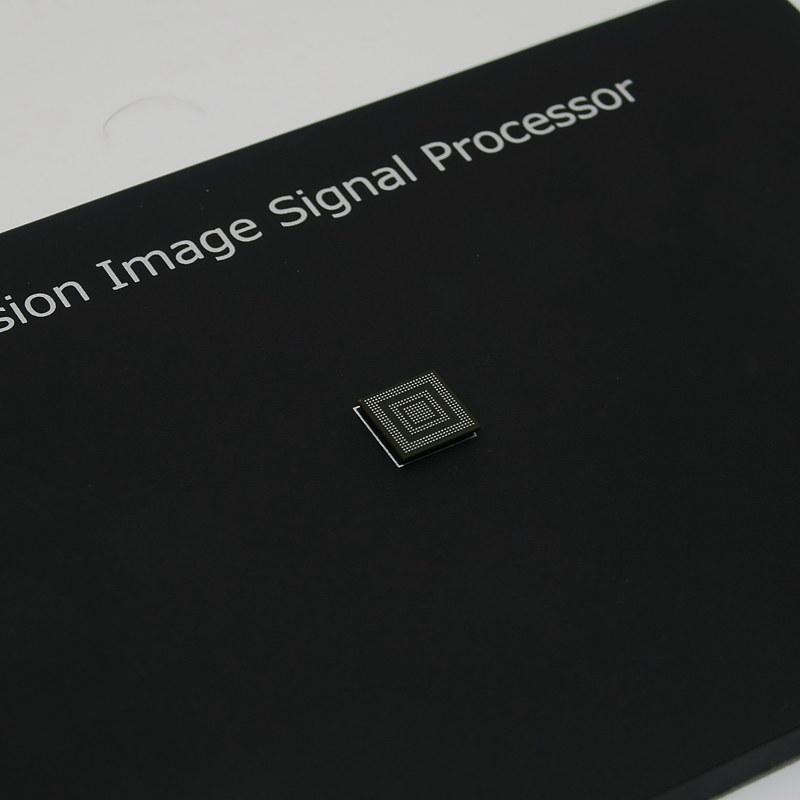 2つのカメラの信号を処理するためにFusion Image Signal Processorも新規に開発