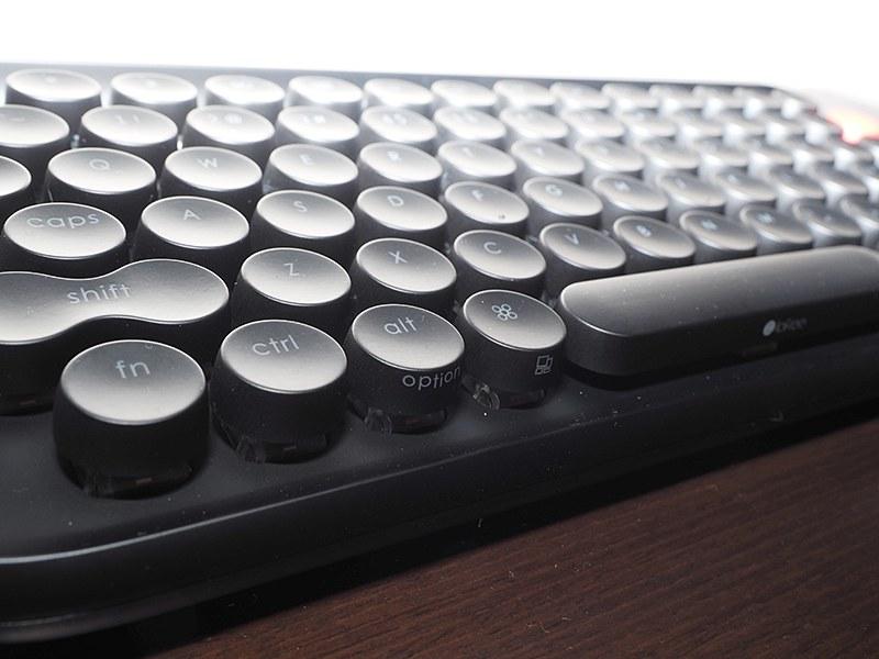一部機能はキーの手前に印刷されている