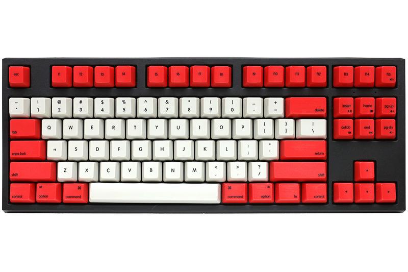 WASD Keyboardsで注文したカスタマイズ・キーボード。US配列テンキーレスで、キースイッチはCherry MX 茶軸。OS絡みのキーはMac用(command・optionなど)にしました。メカニカルキーボードでMac用でテンキーレスという時点で選択肢が非常に狭くて困っていましたが、WASD Keyboardsのおかげで選択の自由度が一気に広がりました。