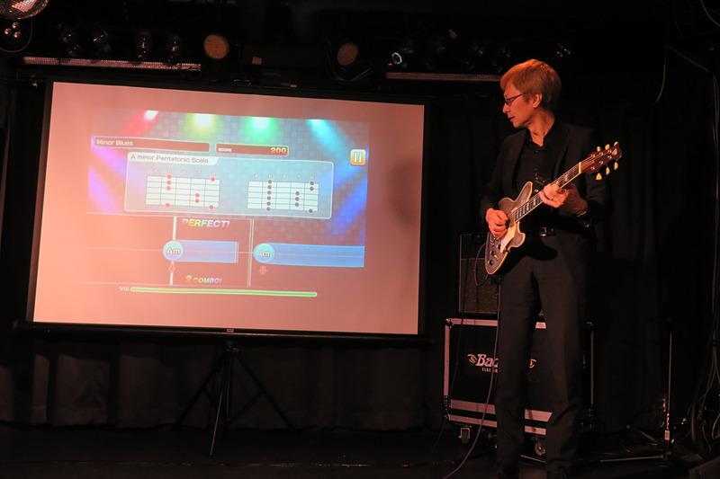 ギター教則界のカリスマと称される宮脇俊郎氏がデモ演奏