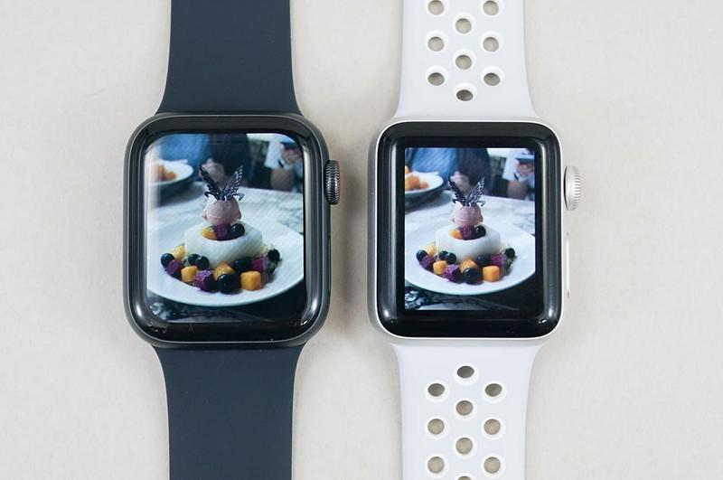 Series 4(左)とSeries 3(右)。画面が大きくなり、四隅がiPhone Xシリーズみたいに丸くなってる