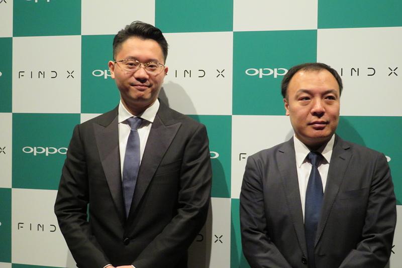 囲み取材に応じたOPPO Japan 代表取締役の鄧宇辰(トウ・ウシン)氏(左)と、李毅(リ・タケシ)氏(右)